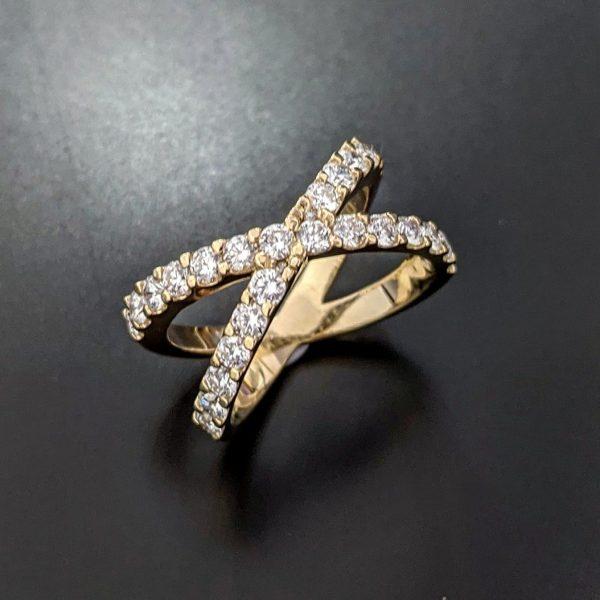 Diamond X cross over ring