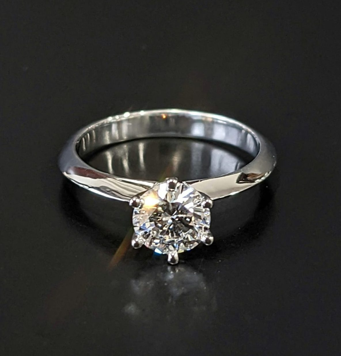 18ct white gold and diamond ladies solitaire engagement ring