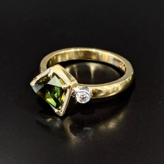 parti sapphire and diamond ladies ring