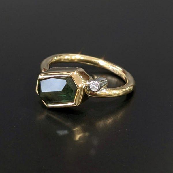 Free- form australian sapphire ring