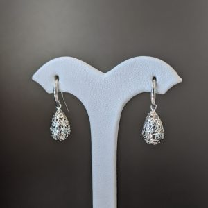 white gold ladies earrings