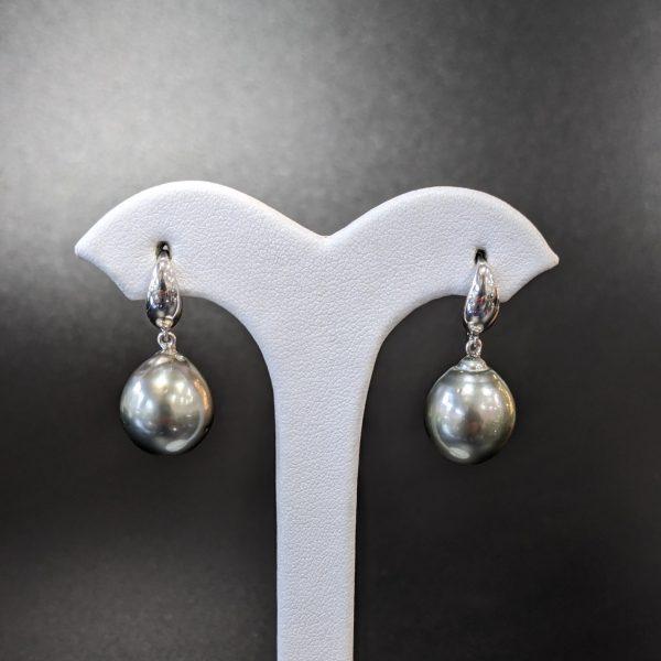 ladies Tahitian pearl earrings with white gold handmade in melbourne