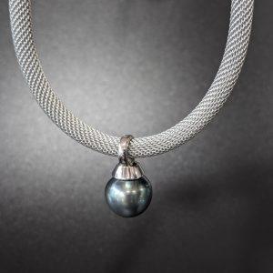 tahitian green pearl pendant choker